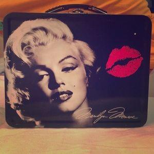 Marilyn Monroe metal lunchbox